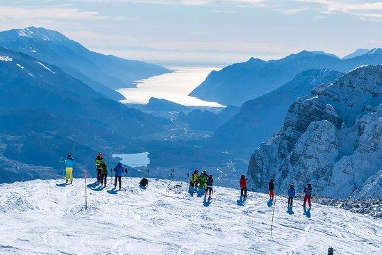Il Covid non ferma lo sci, sold out in Svizzera