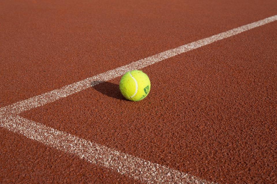 Il tennis è Pop: la storia della pallina giallo fluo