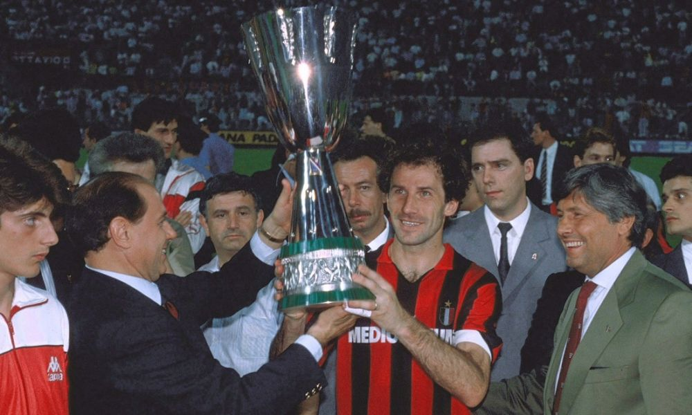Closing Milan, finisce oggi l'era Berlusconi