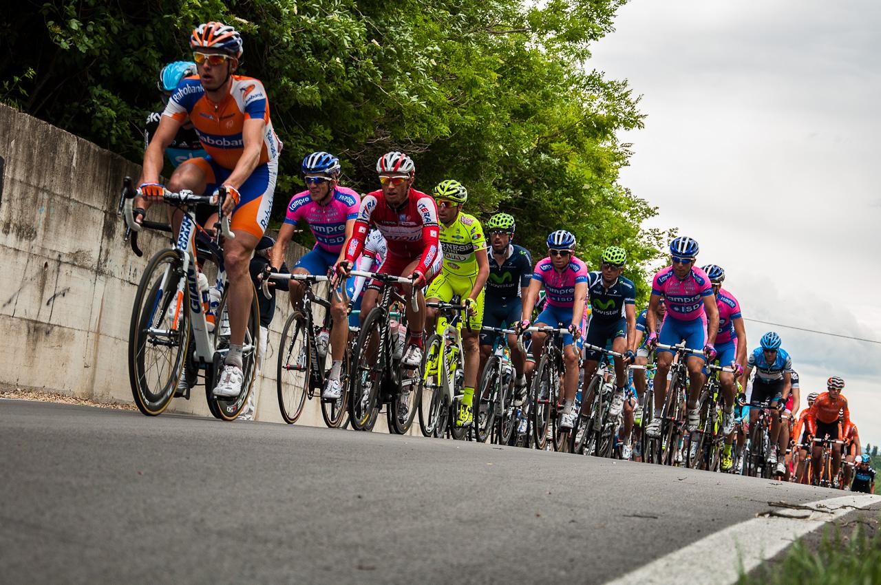 Giro d'Italia, 1°tappa: finale a sorpresa, vittoria e maglia per Postlberger